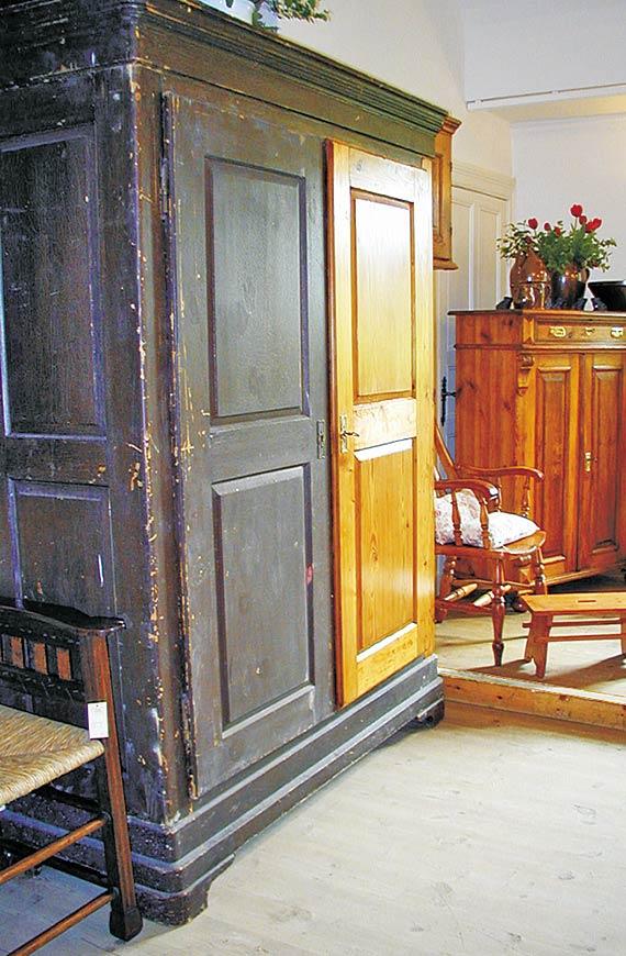 KHFB Uwe Kollschegg Antiquitäten Möbel -4