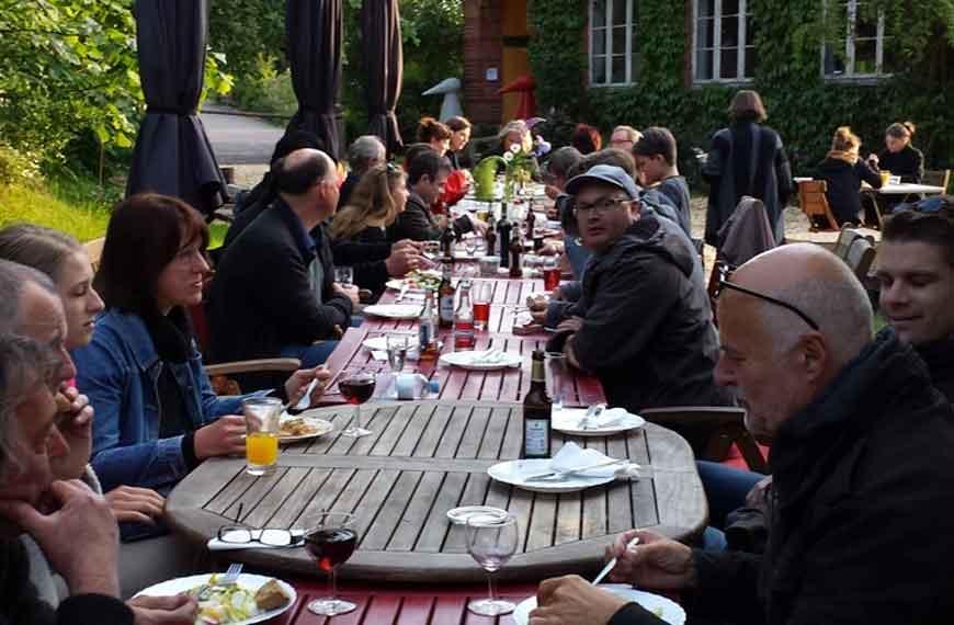 Künstlerabend mit allen Gastausstellern des Jahres 2014 in Barnitz
