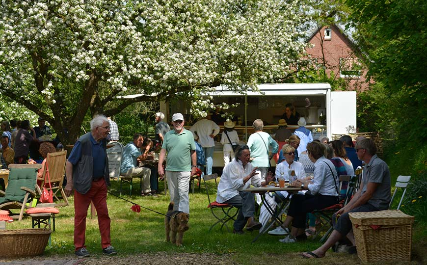 KHFB 2019 Pause im Apfelgarten
